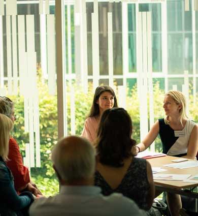 Image for L'aide à l'orientation : une facette renforcée de l'accompagnement des lauréats
